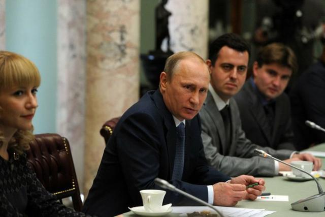 """Президент России считает, что большевики """"изящно надули Россию"""""""