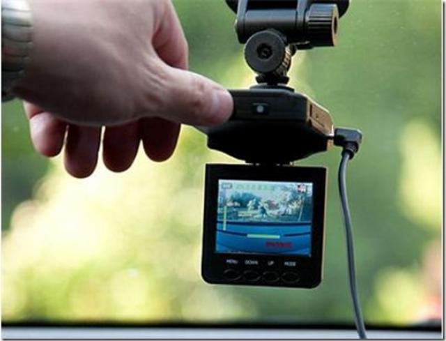 Установка фоторегистратора в автомобиль своими руками фото