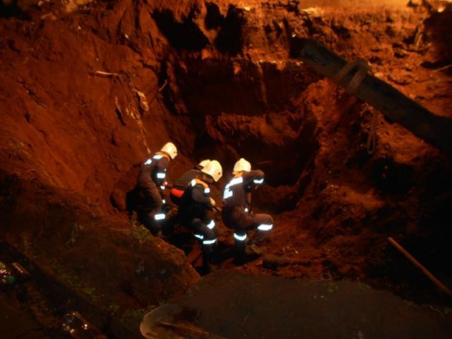 ВНабережных Челнах двоих рабочих засыпало песком наглубине 3-х метров
