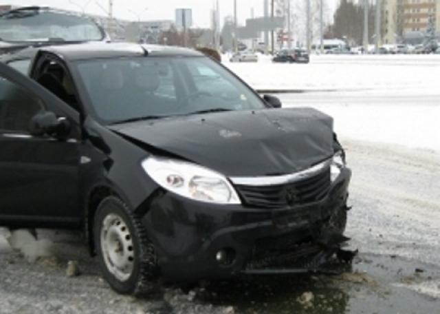 ВЧелнах столкнулись маршрутный автобус и иностранная машина - пострадали 5 человек