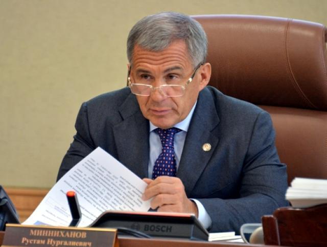 Метшин попросил Минниханова помочь вподведении инженерных коммуникаций кпроблемным домам
