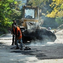 Горисполком заказал ремонт внутриквартальных дорог и тротуаров