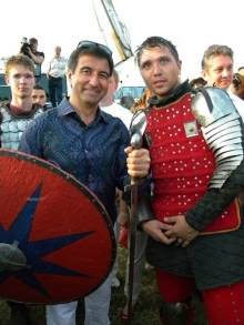 Бокс и зарядка Василя Шайхразиева