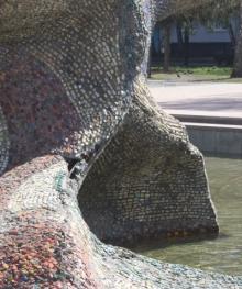 Дырки на скульптурах в Набережных Челнах зальют бетоном.