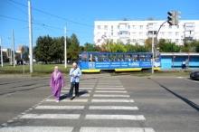 Должен ли трамвай пропустить пешехода?