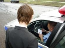 Ребенка задержали полицейские за переход дороги в неположенном месте