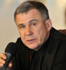 Рустам Минниханов против отмены новогодних вечеринок на предприятиях Татарстана