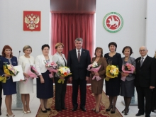 13 челнинцев получили от Наиля Магдеева государственные награды Республики Татарстан