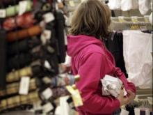 В Набережных Челнах две студентки украли одежду из магазина