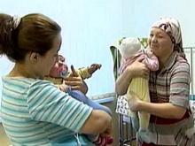 Перинатальный центр выплатил по 250 тысяч рублей семьям перепутанных малышей