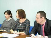 Поборы в школе продолжаются, фруктов недодают, плата за детский сад - самая высокая в России...