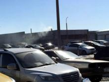 Жители 54 комплекса жалуются на чёрный дым из гаража