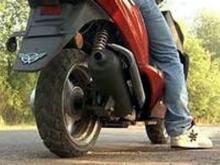 Мобильный наркоторговец передвигался по Набережным Челнам на скутере