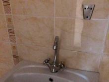 После жалобы в 'Народный контроль' привели в порядок туалет в детской поликлинике №5
