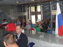 Челнинские коммунисты остались ночевать в здании администрации района и ожидают штурма