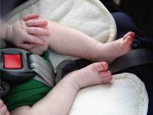 В Набережных Челнах спасли от перегрева полугодовалого ребенка, запертого в автомобиле