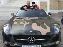 8-летний сын Рамзана Кадырова получил в подарок дорогую иномарку