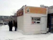 Исполком готовится убрать киоск, торгующий 'фанфуриками' в 56-м комплексе