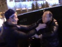 Водитель главы секретариата премьер-министра РФ подрался с активистами 'СтопХам'