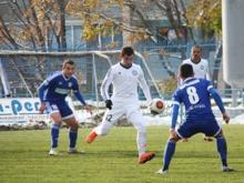 Футбольный клуб 'КАМАЗ' проиграл матч в Иркутске, ведя по ходу встречи в счёте