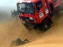 Видео -  'МАЗ' на ралли 'Золото Кагана' наезжает на человека