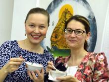В Картинной галерее посетителей накормили настоящей ухой