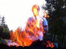 Любители шашлыков получили ожоги при взрыве литровых бутылок с жидкостью для розжига