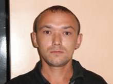 Руслан Махмутов, подозреваемый в убийстве матери, 12 дней прятался от полиции в подсобке