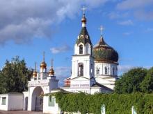 Вор забрался в церковь и украл у прихожанки сумку с 20 тысячами рублями