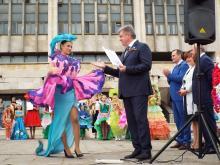 В Набережных Челнах выбрали королеву цветов и наградили лучших за оформление цветников (фото)