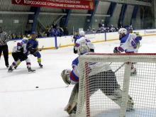Хоккейный клуб 'Челны', выигрывая у 'Чебоксар' со счетом 3:0, в итоге проиграл