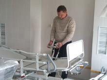 Главврач центра «Медгард» принимает оборудование, но персонал не нанимает