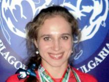 Челнинская студентка Миляуша Гимранова вновь стала чемпионкой Татарстана по армрестлингу
