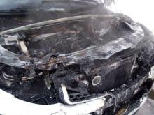 'Ленд Ровер' загорелся возле Ледового дворца из-за неисправности под капотом