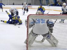 Хоккейный клуб 'Челны', еще раз обыграв ЦСК ВВС, одержал седьмую победу подряд