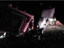 В полночь на автодороге Набережные Челны - Заинск столкнулись фура 'МАН' и трактор 'Кировец'