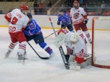 Хоккейный клуб 'Челны' одержал волевую победу над 'Славутичем' из Смоленска