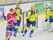 Хоккейный клуб 'Челны' в упорной борьбе проиграл лидеру - команде 'Мордовия'