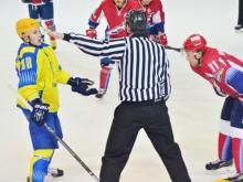 Хоккейный клуб 'Челны' вновь минимально уступил лидеру первенства - 3:4