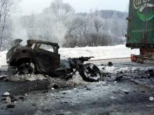 На трассе в Башкирии легковушка врезалась в фуру из Татарстана. Видео не для слабонервных