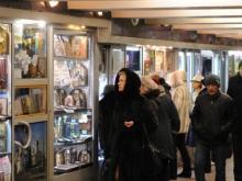 53 павильона в подземках на 'Глобусе' и 'Театральной' выставили на аукцион