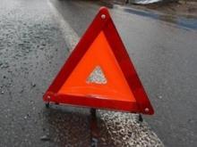Ночью пьяный водитель сбил фонарный столб, а его пассажирка скончалась от травм