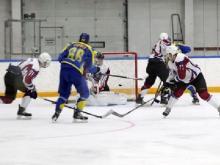 Хоккейный клуб 'Челны' в драматичном матче одержал победу над ХК 'Алтай' со счетом 5:3