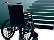 По требованию прокуратуры инвалиду-колясочнику установили пандус в подъезде дома 6/03