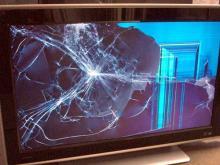 У пьяного вора выскользнула из рук добыча - телевизор разбился