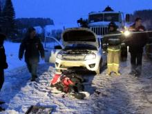 На трассе грузовик 'Урал' без тормозов врезался в легковушку - погибли два человека