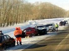В Татарстане в столкновении с иномаркой погибла 25-летняя девушка за рулем 'Лада Калина'