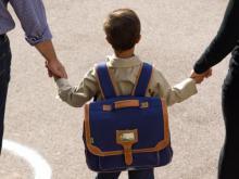 Отец подделал регистрацию в своем паспорте, чтобы устроить ребенка в 1 класс в престижную школу
