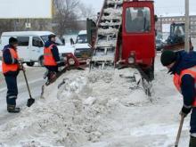Уборка снега, местные проезды, 14 февраля: 16, 29 комплексы и улица Гагарина