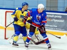 Хоккейный клуб 'Челны' в упорной борьбе уступил в Смоленске местной команде со счетом 3:4